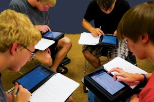 ipad_students_01